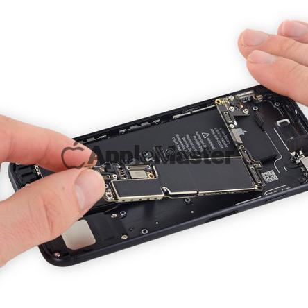 Снятие материнской платы iPhone 8