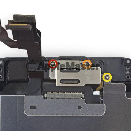 Расположение винтов защитной скобы камеры iPhone 6
