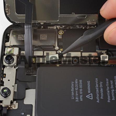 Отключение шлейфа слухового динамика от платы iPhone X