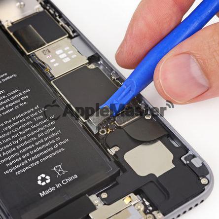 Отключение шлейфа батарейки iPhone 6