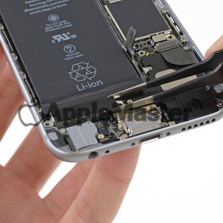 Демонтаж вибромотора Айфон 6