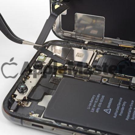 Отсоединение шлейфа спикера от платы iPhone X