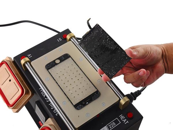 Отсоединение стекла от дисплея Айфон 6S