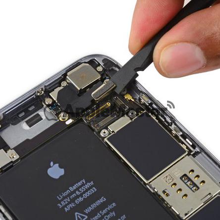 Отключение шлейфа основной камеры iPhone 6S Plus