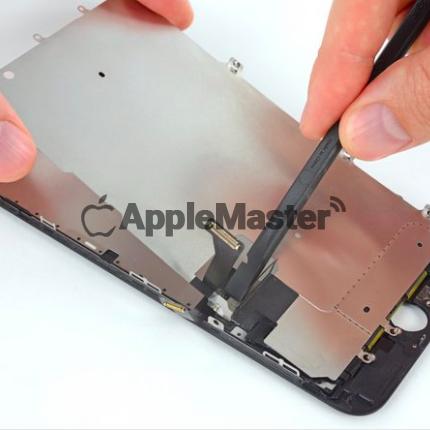 Демонтаж шлейфов экрана iPhone 7 Plus