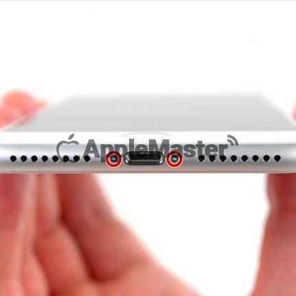 Демонтаж торцевых винтов iPhone 8 Plus
